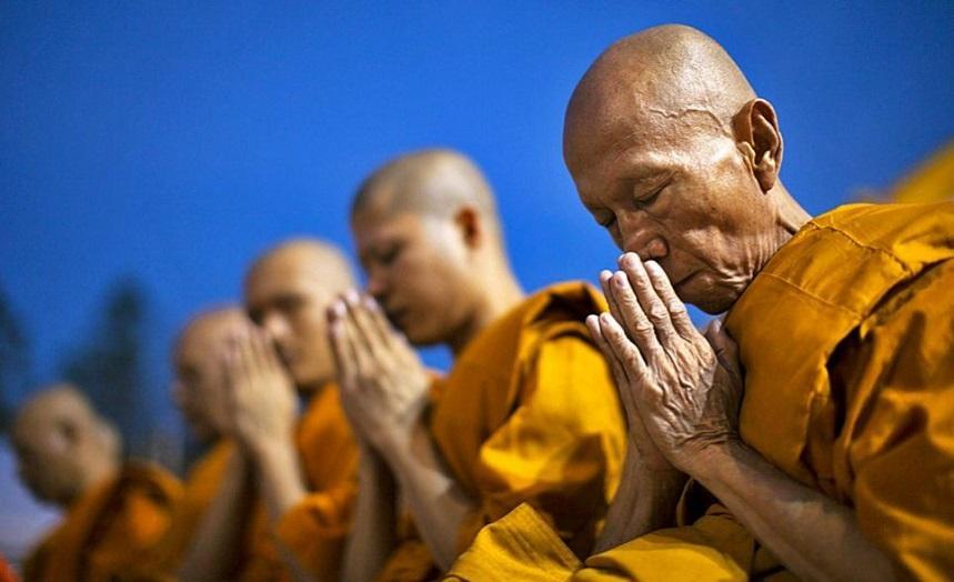 Монахи в Таиланде