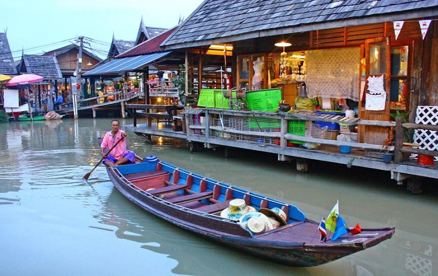 Шопинг на плавучем рынке Паттайи