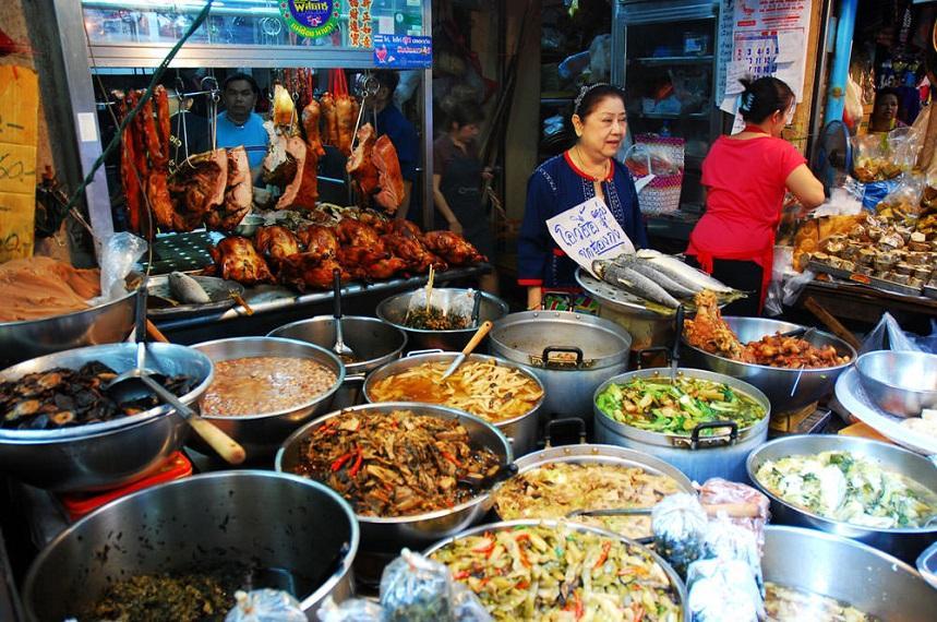 Уличная еда в Китайском квартале