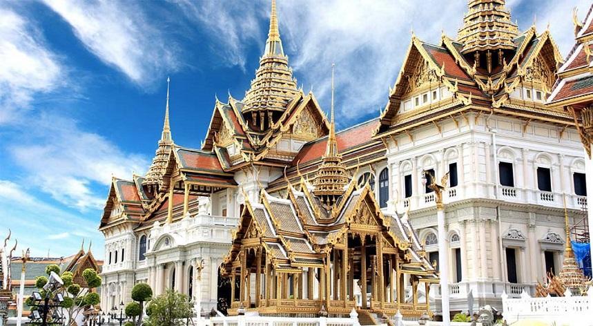 поехать в Бангкок