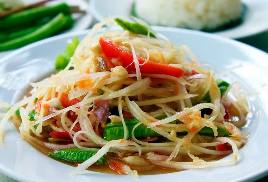 Сом Там - тайский салат