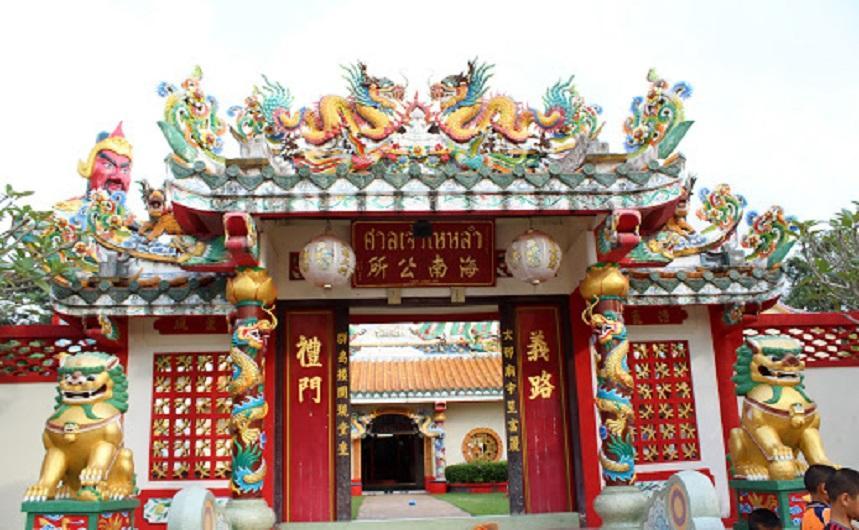 Китайский буддистский храм на острове Самуи