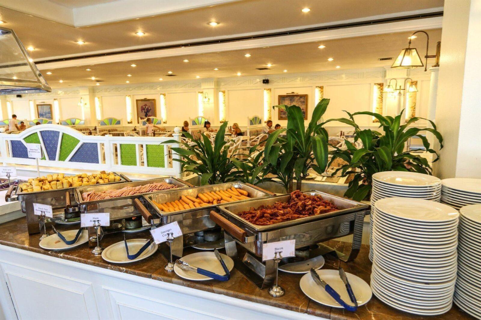 ОтельАмбассадор(Ambassador City Jomtien Garden Wing) вПаттайе