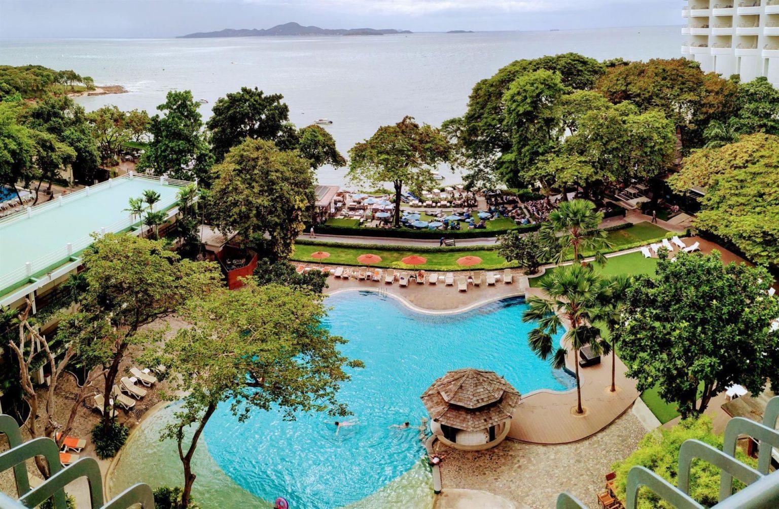 Отель Кози Бич (Cosy Beach Hotel 3*) в Паттайе