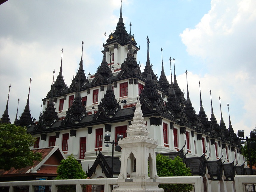 Достопримечательности Бангкока Лоха Прасат