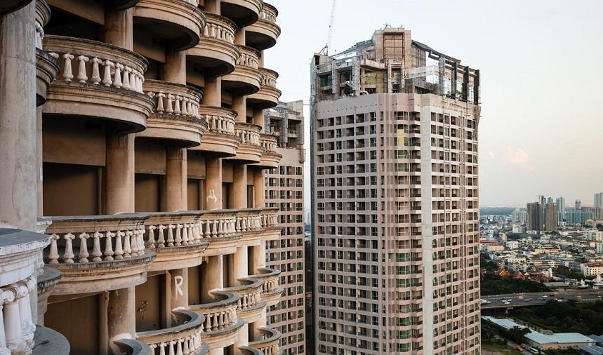 Заброшенный небоскреб достопримечательности Бангкока