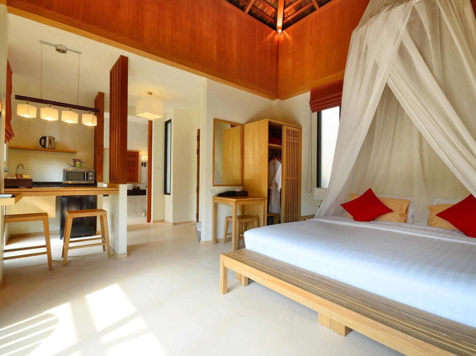 Фото номера в Marina Phuket Resort 4*