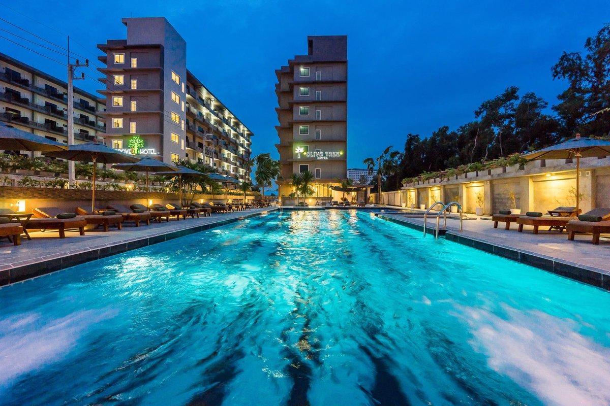 Фото бассейна в отеле Савотел