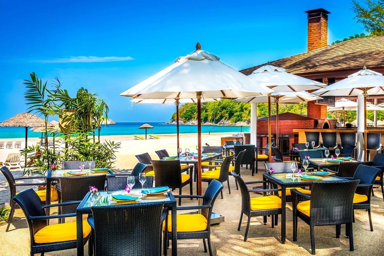 Развлечения на берегу пляжа отеля Ле Меридиан