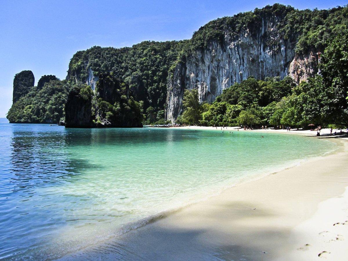 На фото остров Ко-Хонг