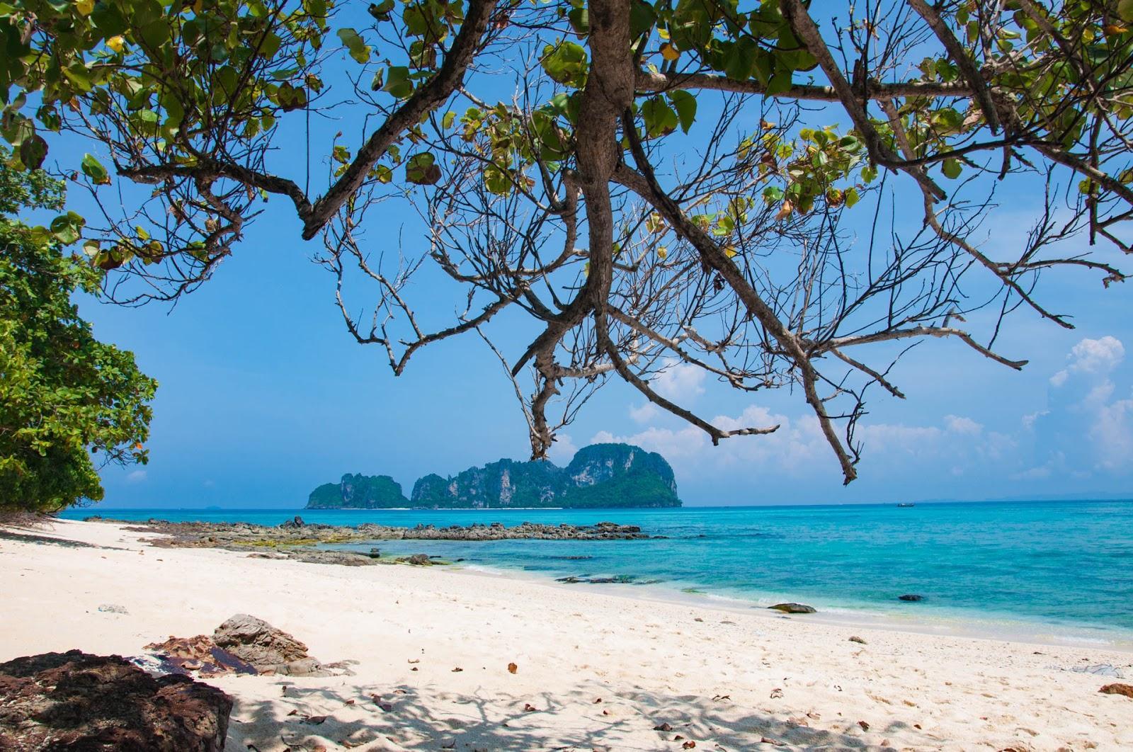 На фото остров Бамбу