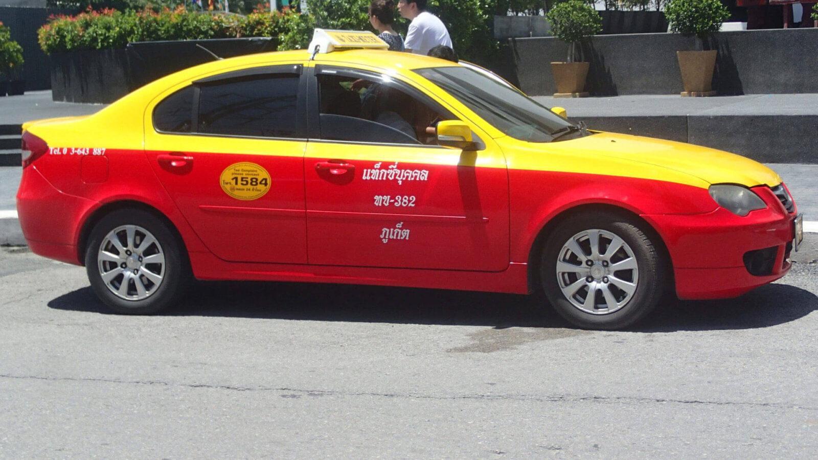 На фото такси Пхукета