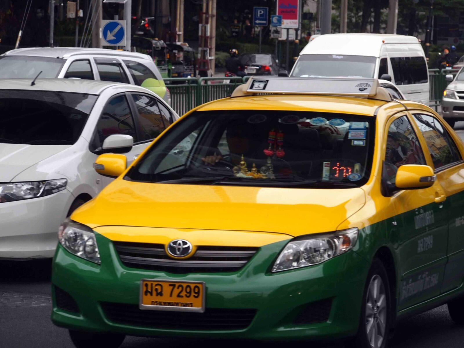 Преимущества такси в Таиланде