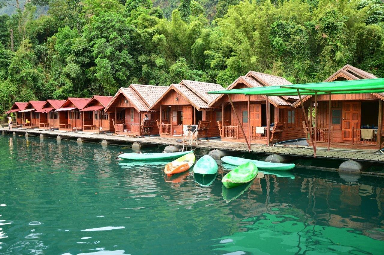Фото домиков на озере Чео Лан