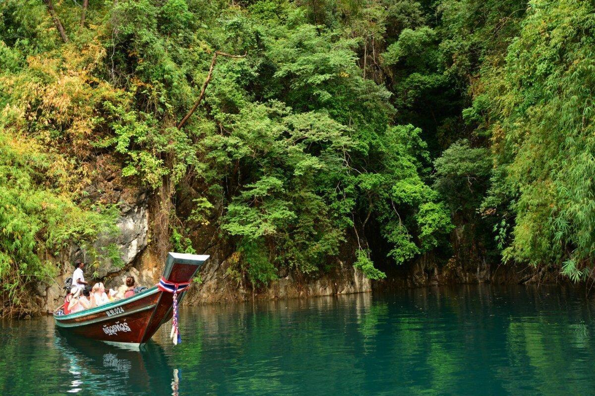 Фото пейзажа на озере Чео Лан