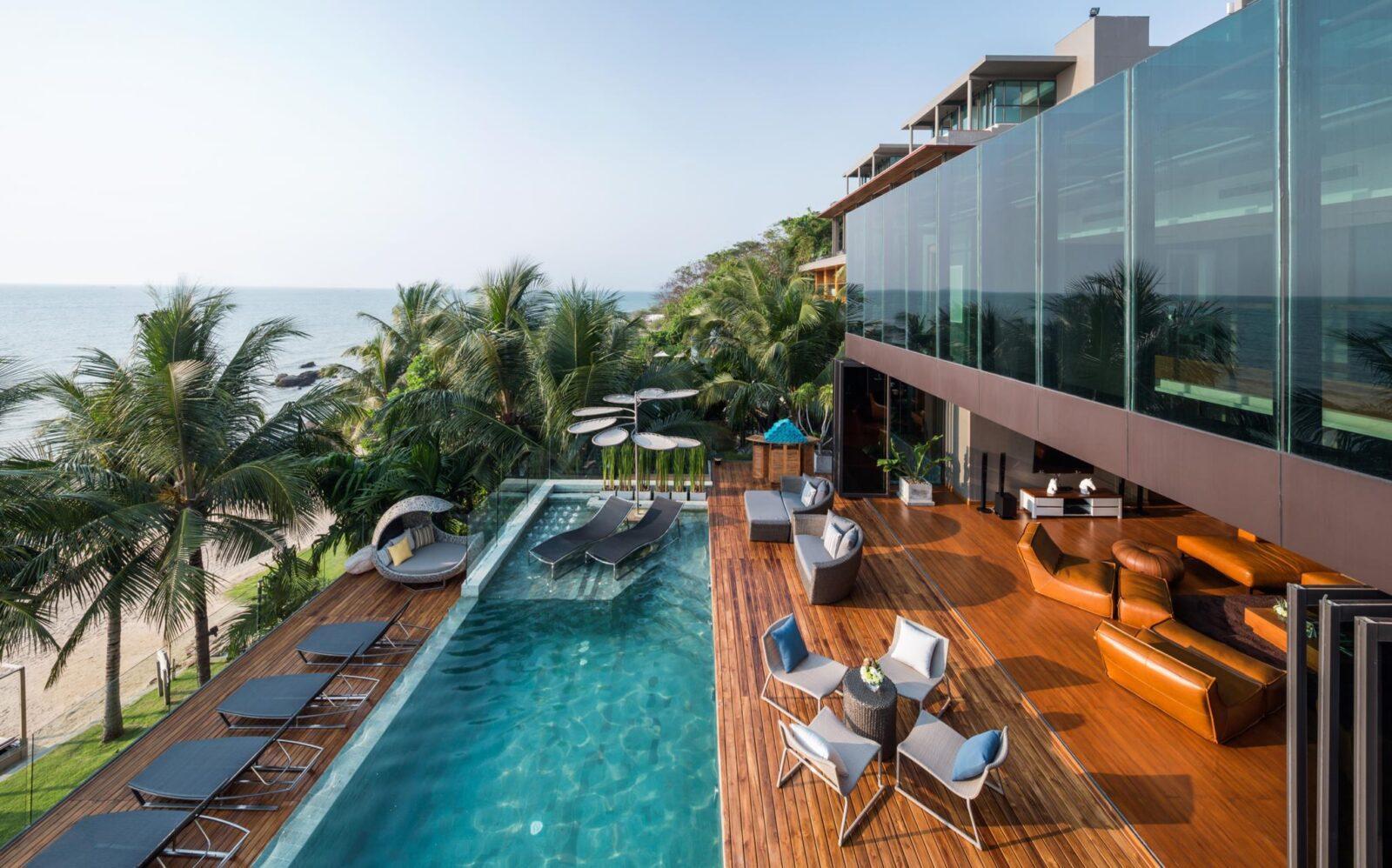 Фото бассейна в Cape Dara Resort
