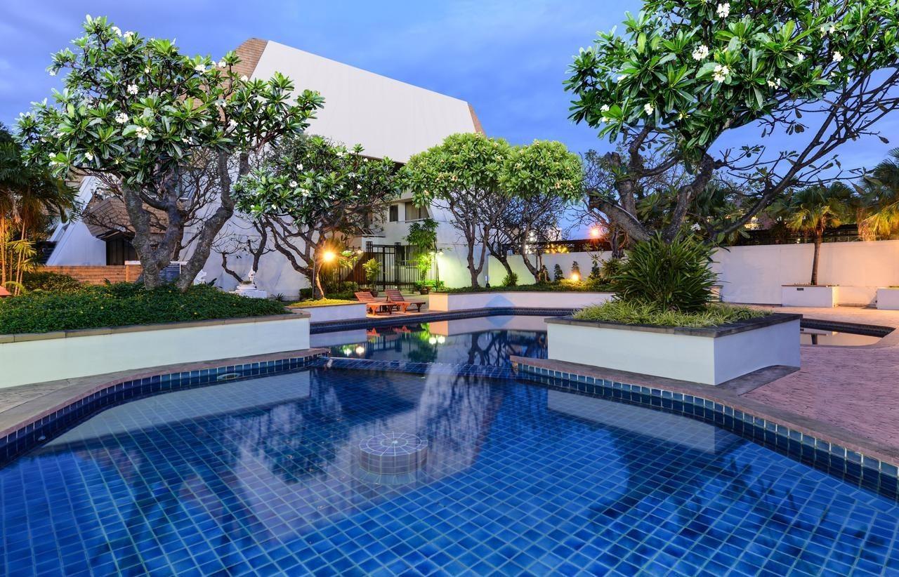 Фото бассейна в Panchalae Boutique Residences