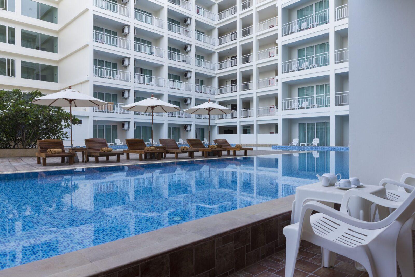 Фото бассейна в Chanalai Hillside Resort